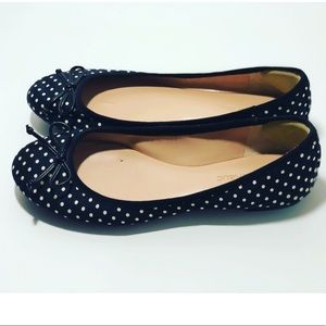 Banana republic navy blue polka dot flats size 7.5